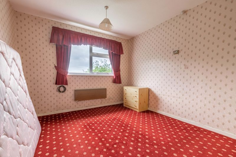 1 bed flat for sale in Lea Croft Road 5
