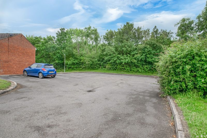 1 bed flat for sale in Lea Croft Road  - Property Image 8