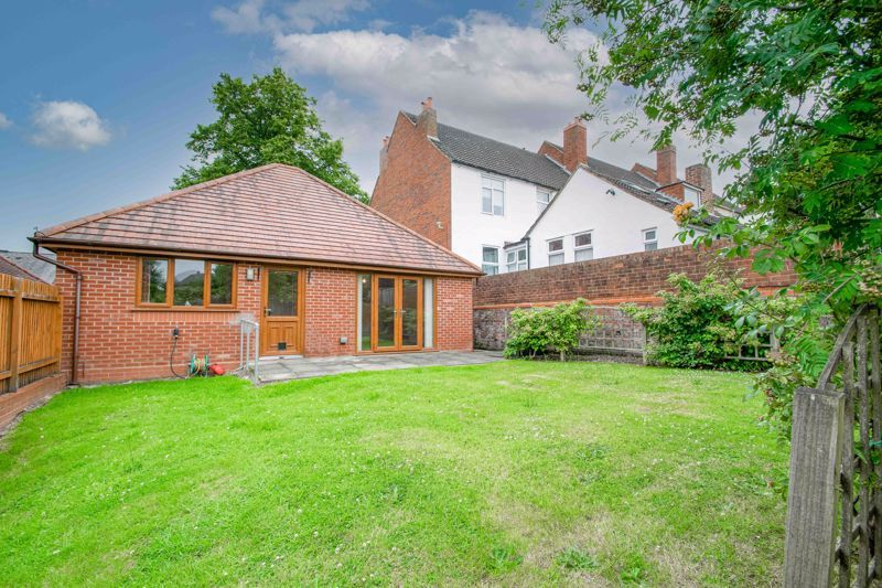 2 bed bungalow for sale in Beecher Street  - Property Image 13