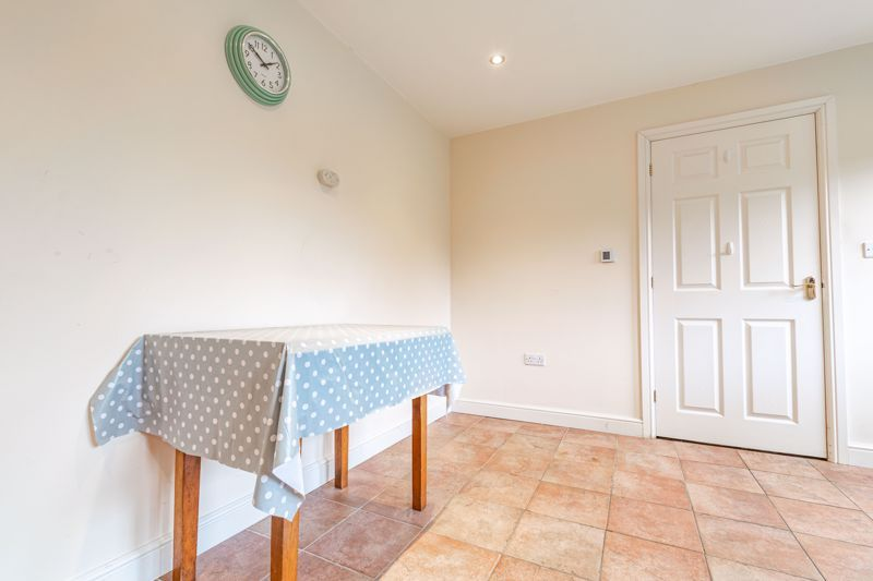 2 bed bungalow for sale in Beecher Street  - Property Image 15