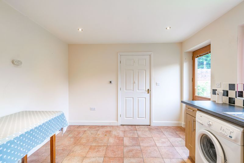 2 bed bungalow for sale in Beecher Street  - Property Image 5