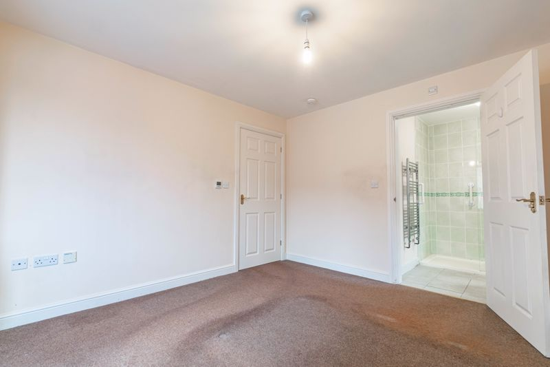 2 bed bungalow for sale in Beecher Street  - Property Image 8