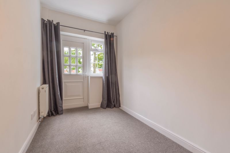 4 bed house for sale in Lilley Lane 11
