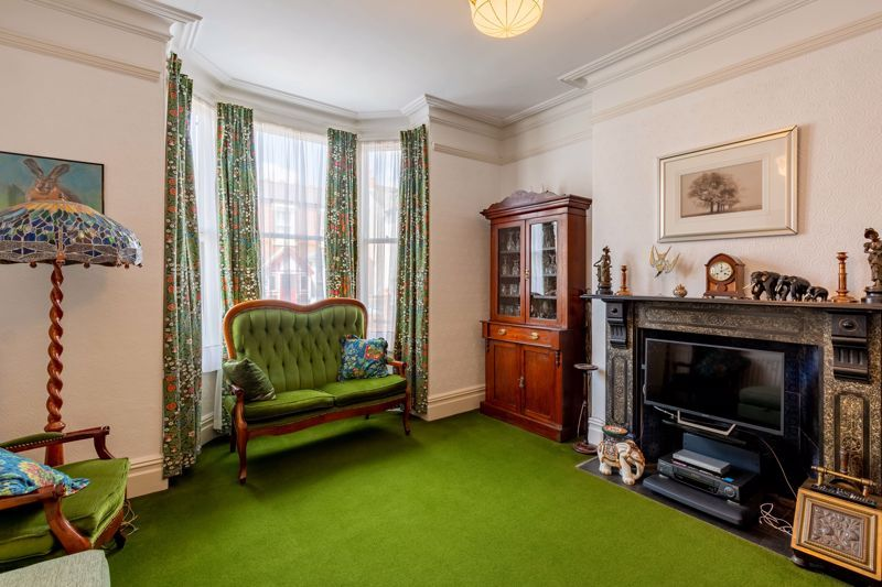4 bed house for sale in Clifton Street  - Property Image 2