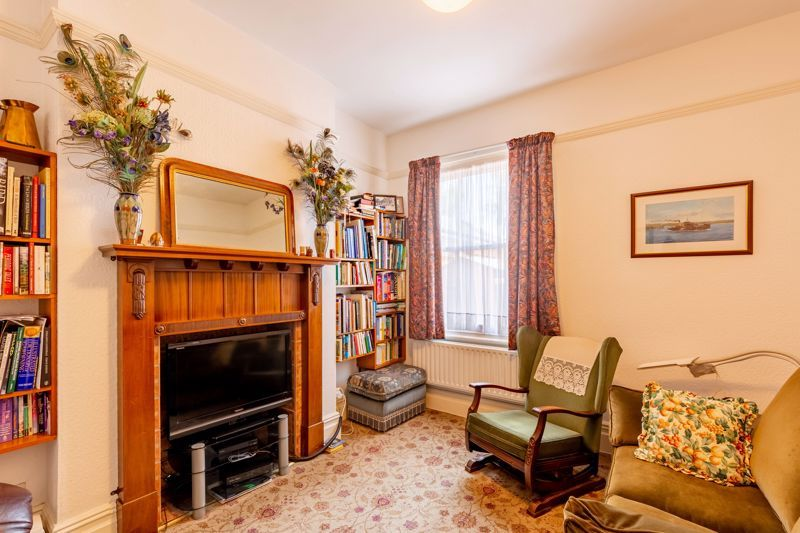 4 bed house for sale in Clifton Street  - Property Image 3