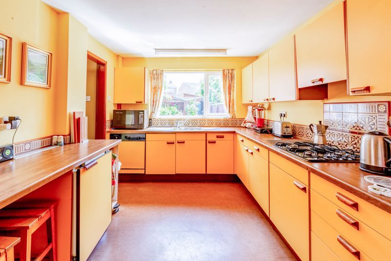 4 bed house for sale in Clifton Street 5