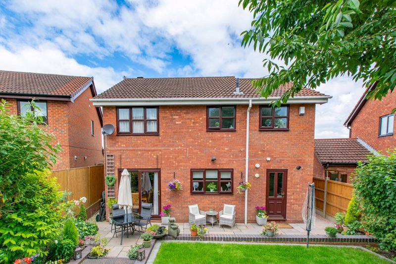 4 bed house for sale in Woburn Drive  - Property Image 13