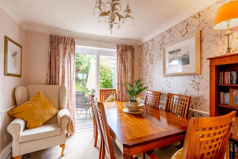 4 bed house for sale in Woburn Drive 5