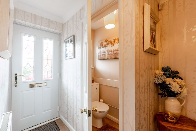 4 bed house for sale in Woburn Drive 6