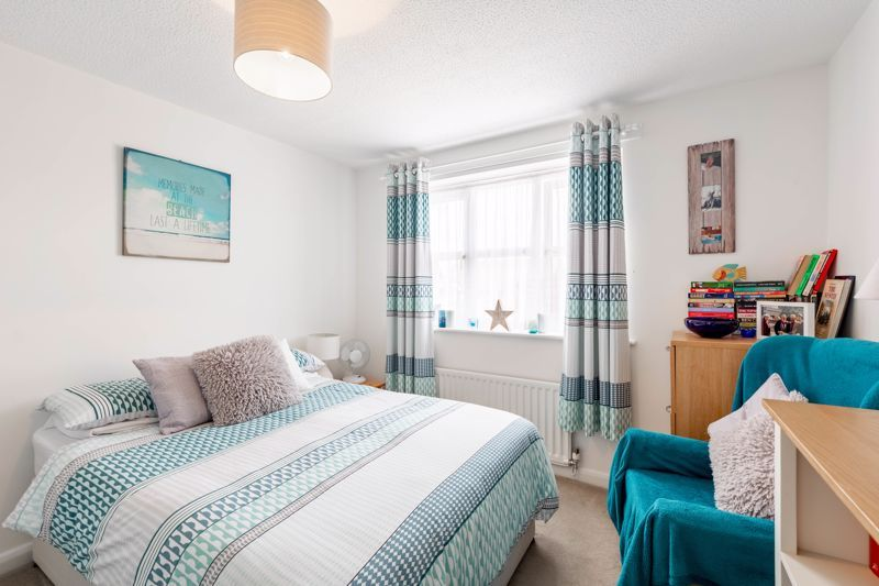 4 bed house for sale in Woburn Drive 8