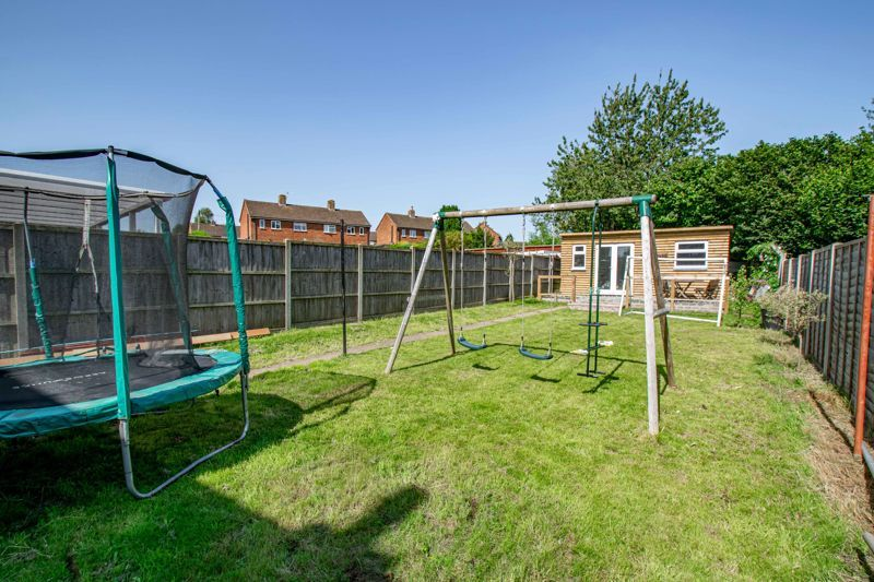 2 bed house for sale in Grafton Crescent 12