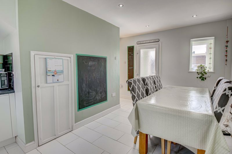 2 bed house for sale in Grafton Crescent 5