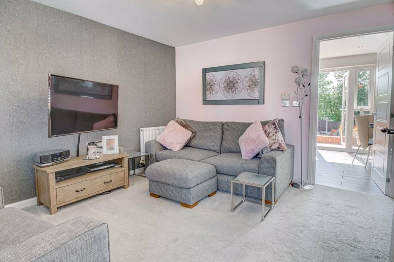 2 bed house for sale in Swallows Close 2