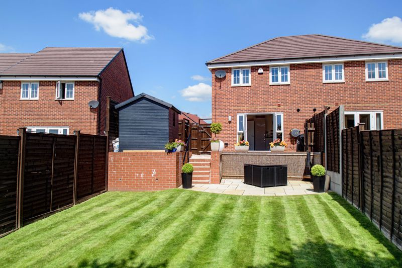 2 bed house for sale in Swallows Close 12