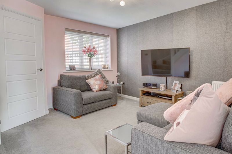 2 bed house for sale in Swallows Close 3