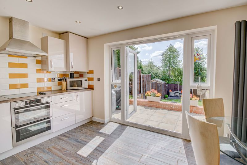 2 bed house for sale in Swallows Close 4