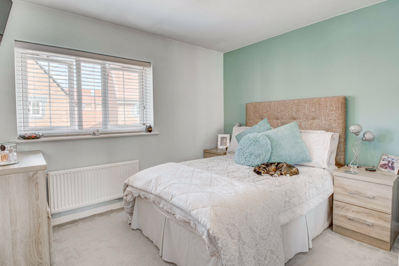 2 bed house for sale in Swallows Close 6