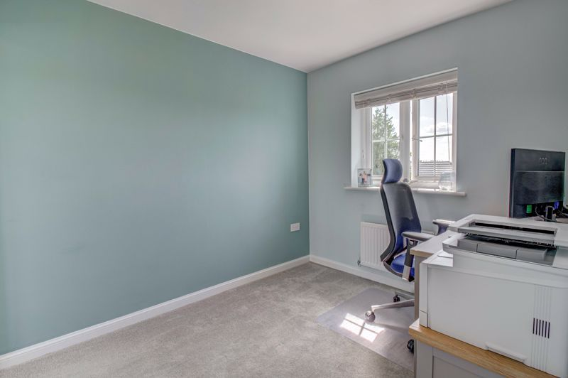 2 bed house for sale in Swallows Close 7