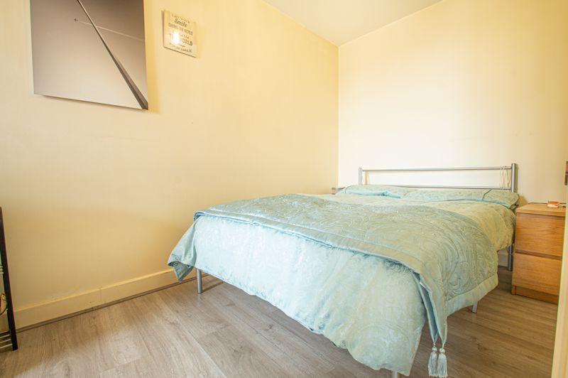 1 bed flat for sale in Warwick Street  - Property Image 11