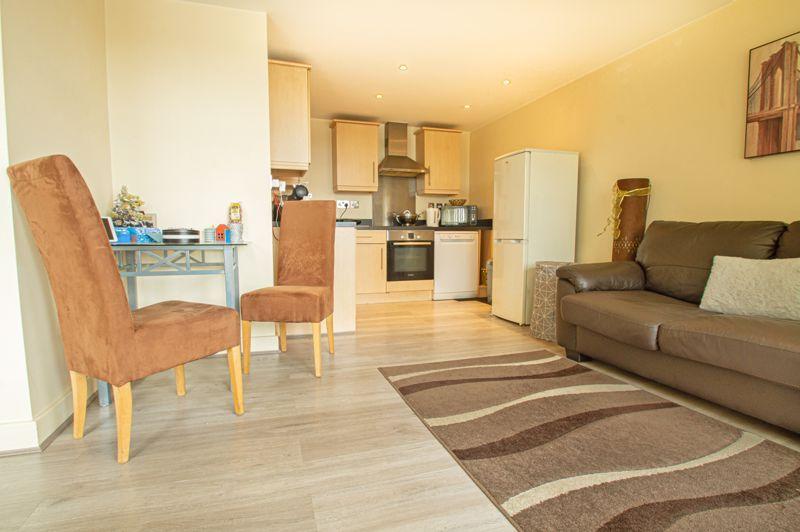 1 bed flat for sale in Warwick Street 4