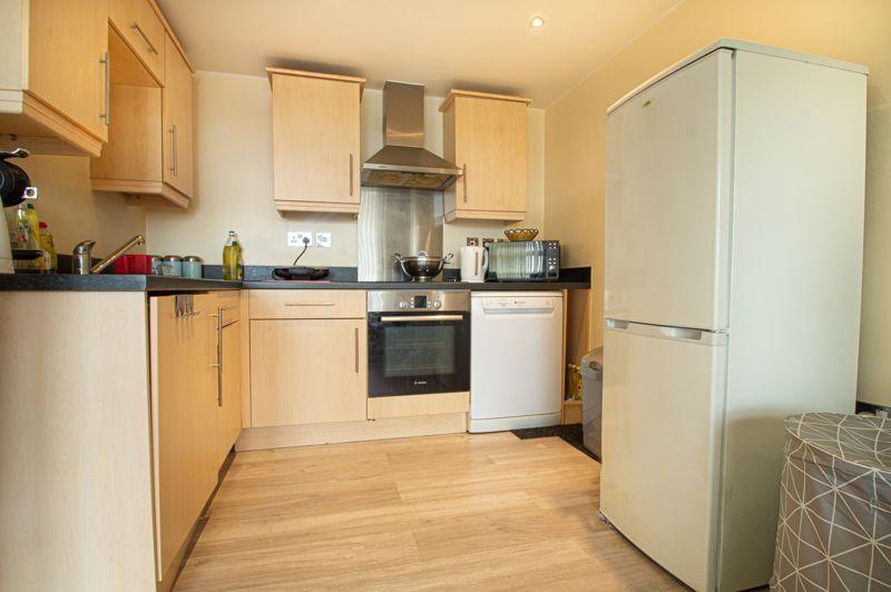 1 bed flat for sale in Warwick Street 8