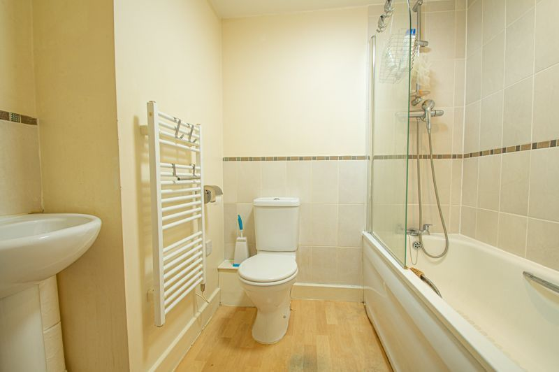 1 bed flat for sale in Warwick Street  - Property Image 9