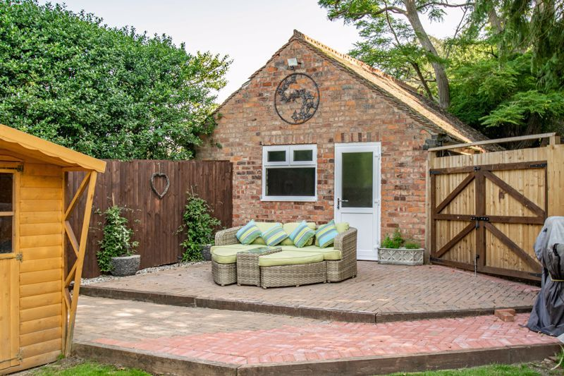 4 bed house for sale in Woodrow Lane 14