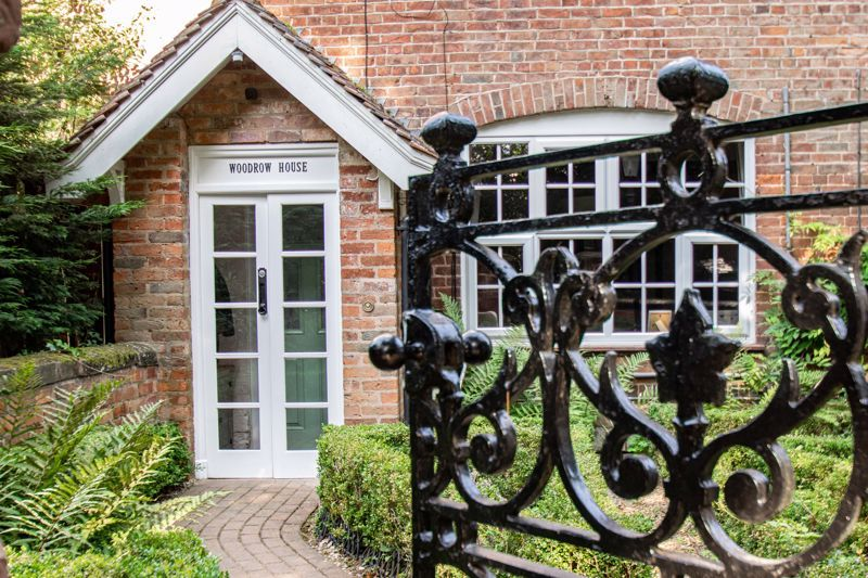 4 bed house for sale in Woodrow Lane 15