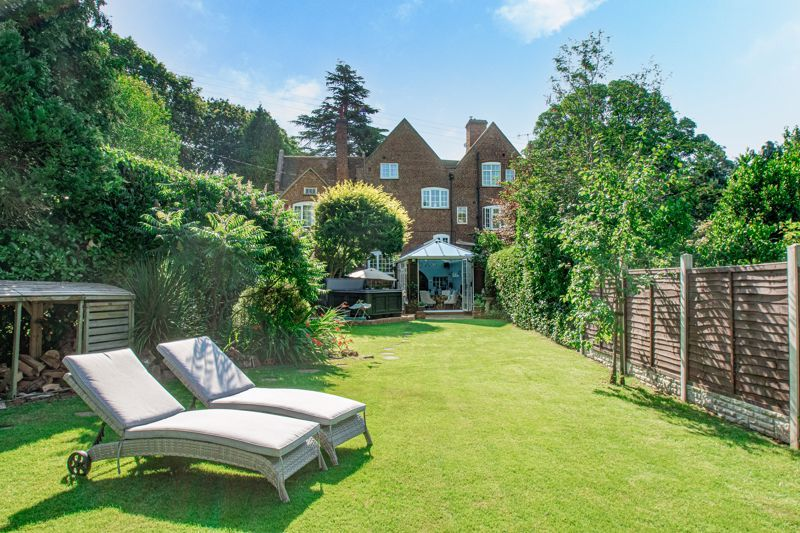 4 bed house for sale in Woodrow Lane 18