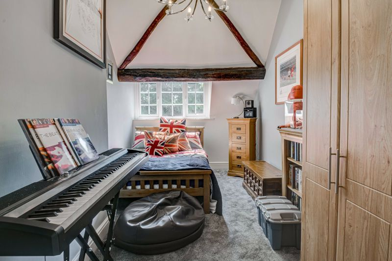 4 bed house for sale in Woodrow Lane 7