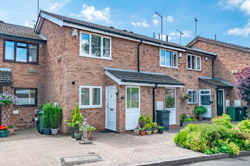 2 bed house for sale in Hoosen Close 1