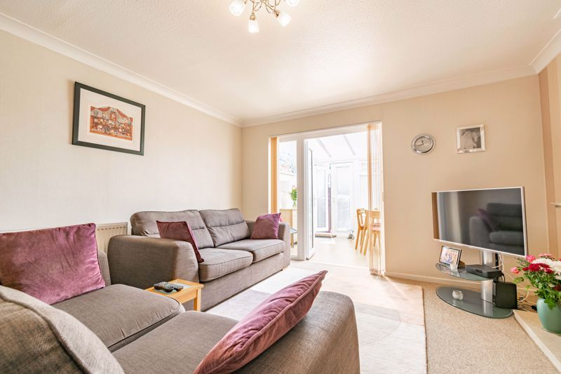 2 bed house for sale in Hoosen Close  - Property Image 3