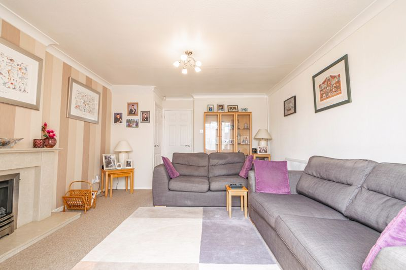 2 bed house for sale in Hoosen Close 4