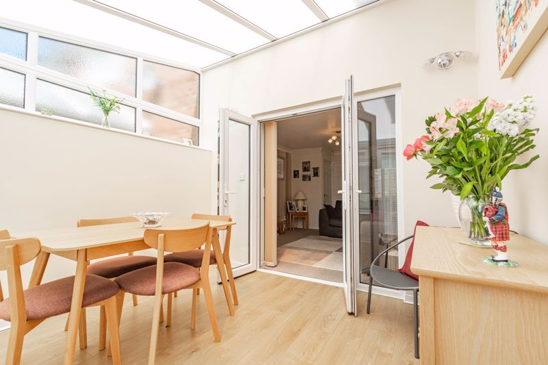 2 bed house for sale in Hoosen Close 6
