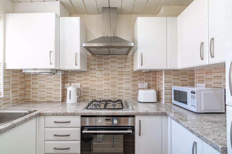 2 bed house for sale in Hoosen Close 8