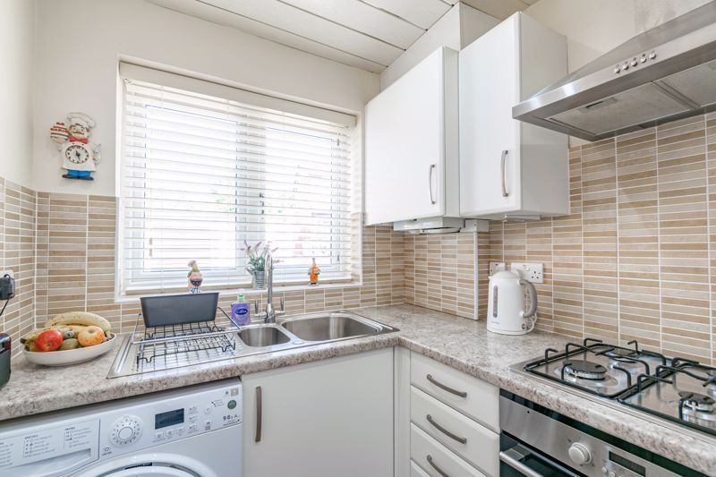 2 bed house for sale in Hoosen Close 9