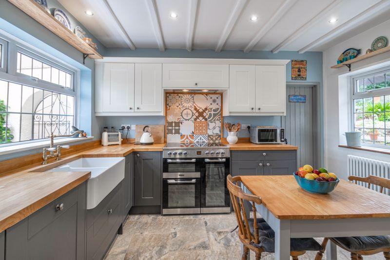 3 bed cottage for sale in Trickses Lane 5