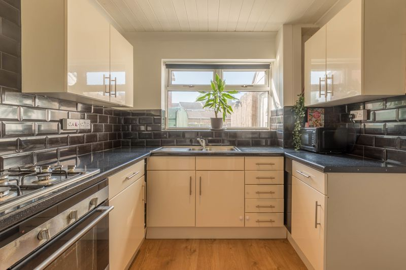 3 bed house for sale in Wychbury Road 5