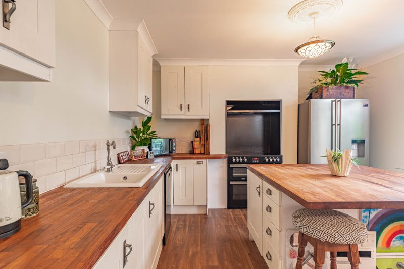 3 bed house for sale in Banners Lane 5