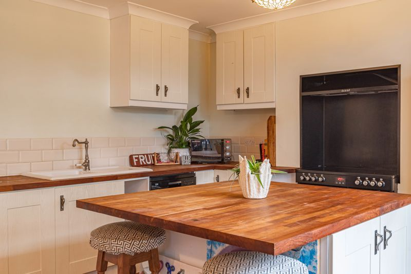 3 bed house for sale in Banners Lane 7