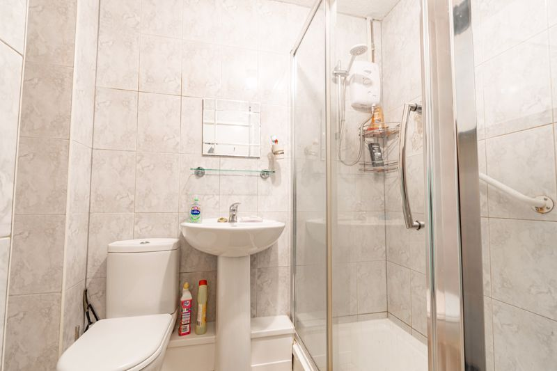 2 bed house for sale in Chantry Drive 11