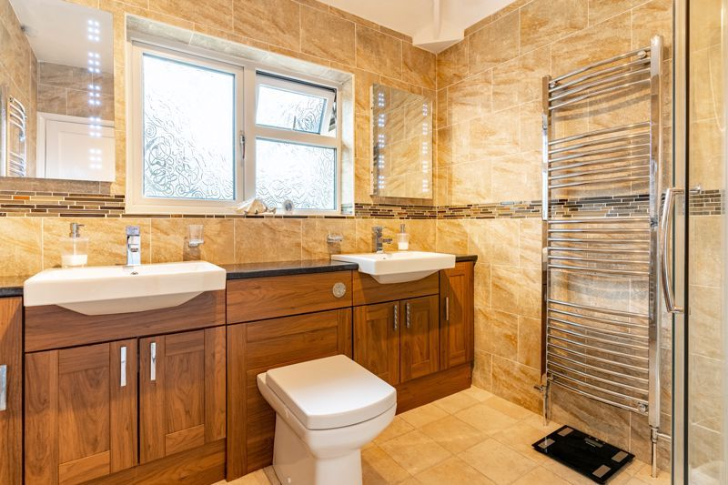 5 bed house for sale in Hanbury Hill 11