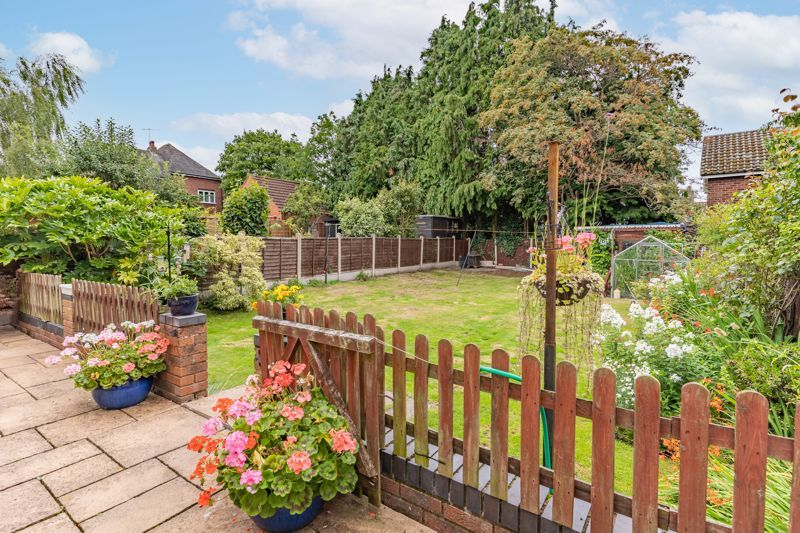 5 bed house for sale in Hanbury Hill 12