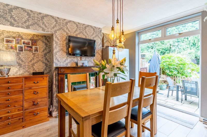 5 bed house for sale in Hanbury Hill 4