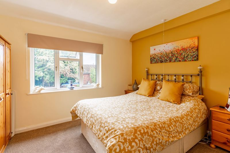5 bed house for sale in Hanbury Hill 7