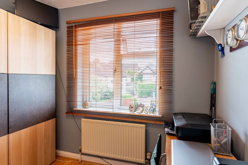 5 bed house for sale in Hanbury Hill 10