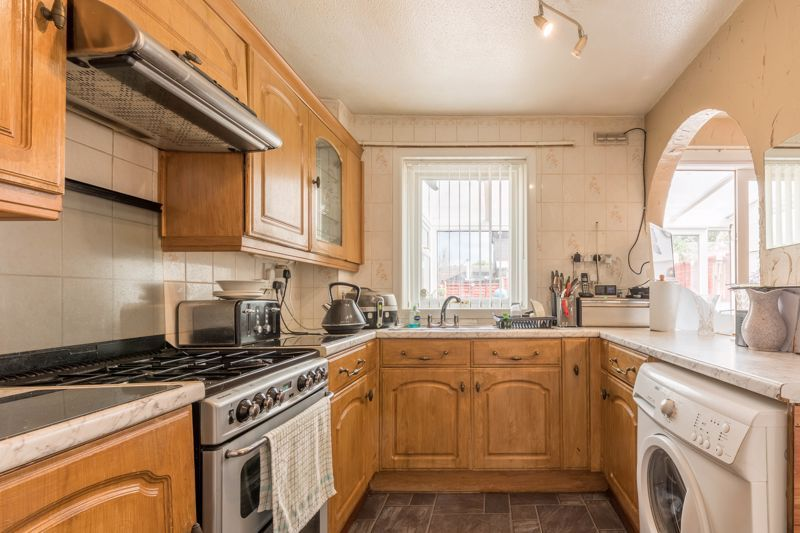 3 bed house for sale in Reedmace Close 4