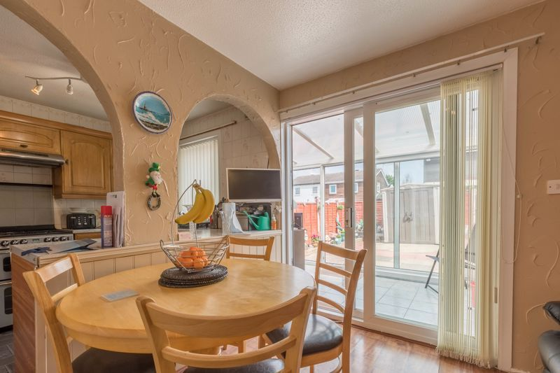 3 bed house for sale in Reedmace Close 5