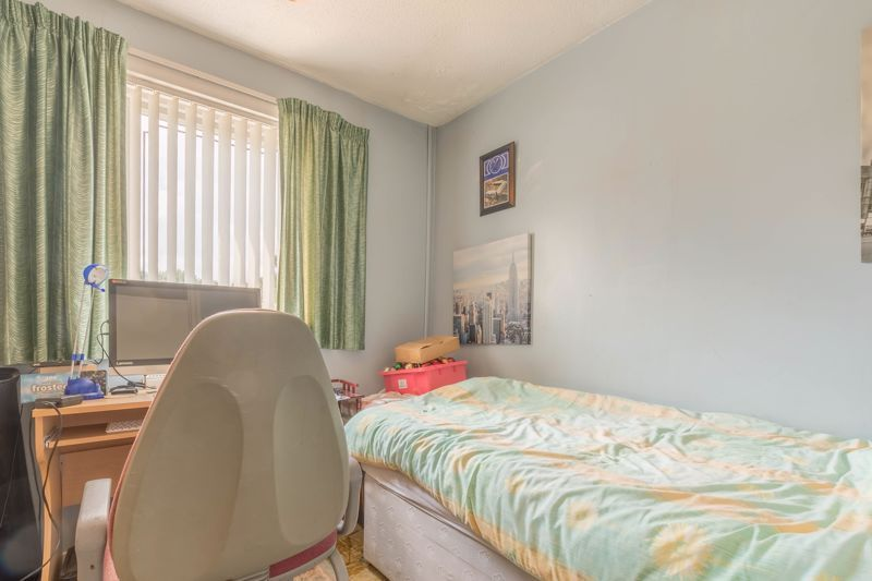 3 bed house for sale in Reedmace Close 9