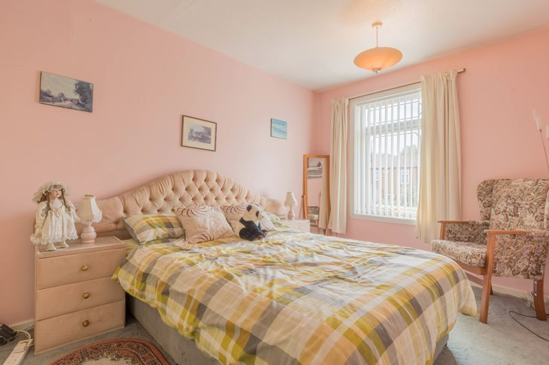 3 bed house for sale in Reedmace Close 10